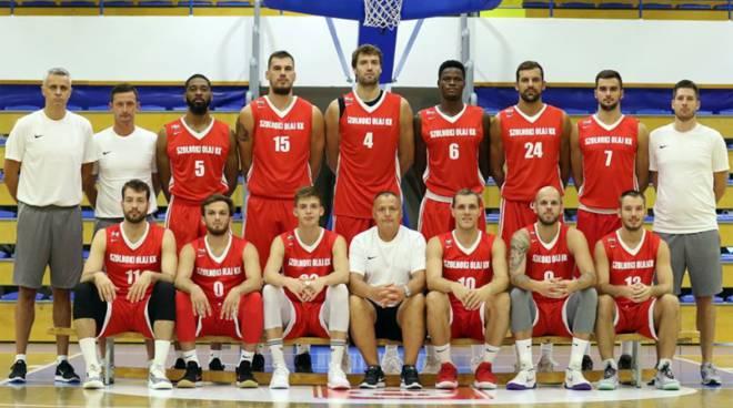 zoloski formazione campione di ungheria basket al completo, debutto in champions contro cantù