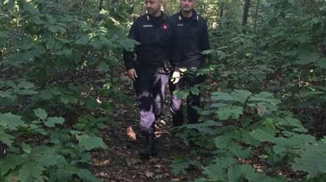 controlli dei carabinieri area boschiva oltrona san mamette