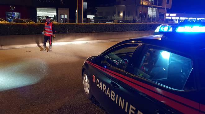 controlli notturni carabinieri via milano erba patenti
