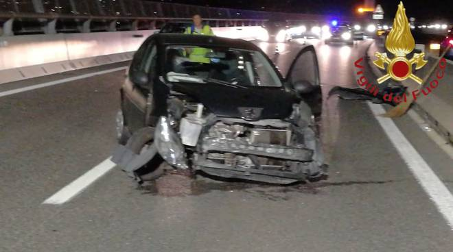 incidente a9 autolaghi auto distrutte galleria quarcino