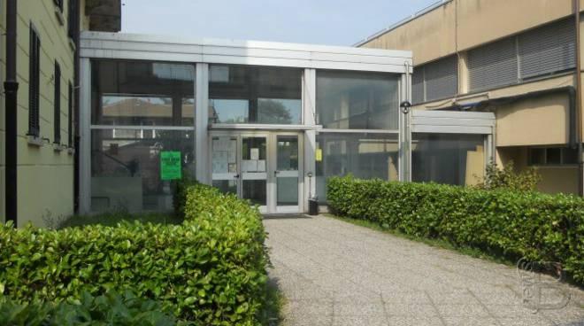 istituto vanoni menaggio esterno struttura ingresso