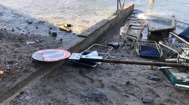 La pulizia del fondale del lago a Villa Geno con Como sub