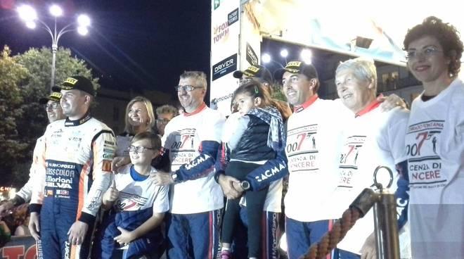 rally aci como 2018 premiazioni ed auto con piloti in piazza cavour