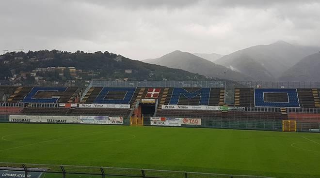 sinigaglia stadio con nuvole e pioggia