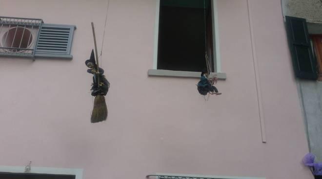streghe e castagne rovenna di cernobbio le straghe sulle case del paese
