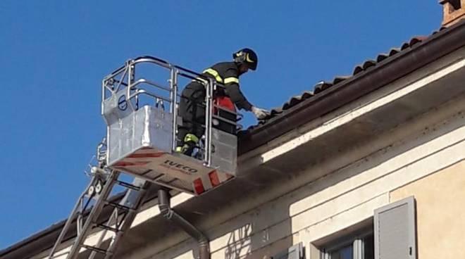 tegole pericolanti tetto teatro sociale di como pompieri