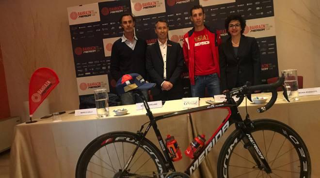 Vincenzo Nibali al cruise di Montano Lucino con assessori galli e Rossotti