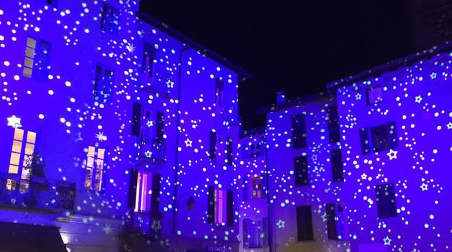 città dei balocchi como immagini piazza san fedele e centro con illuminazione
