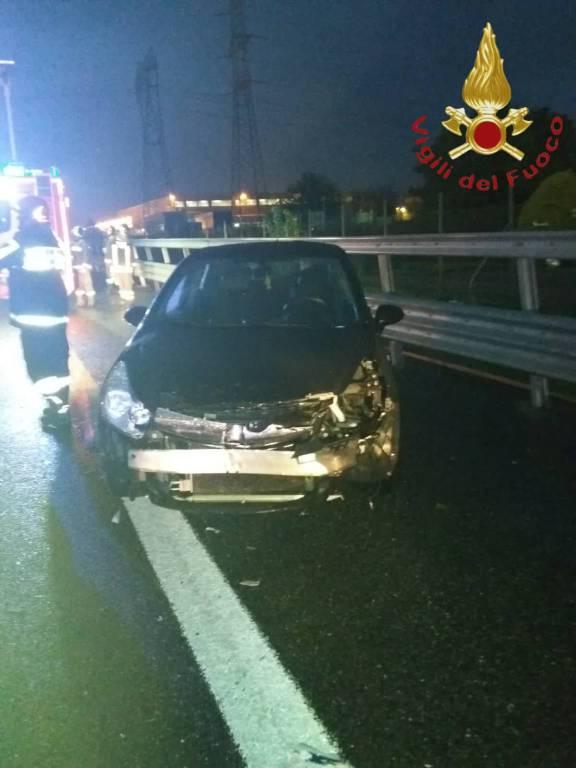 incidente autostrada turate e lomazzo camion ed auto