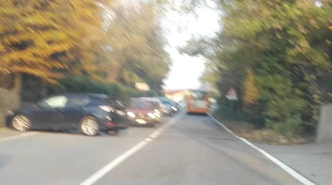 incidente prestino, auto fuori strada e schianto contro il muro