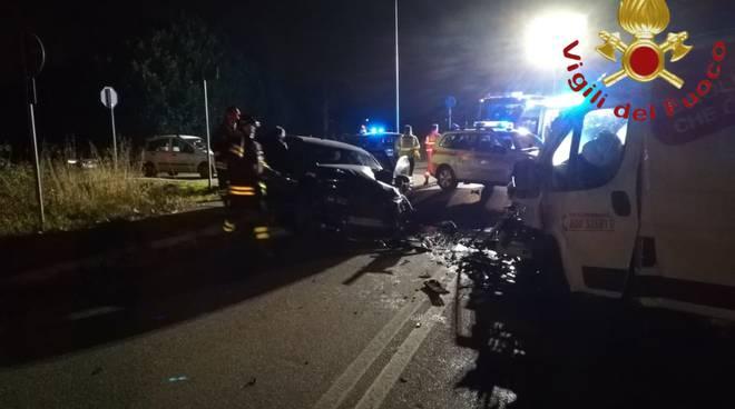 incidente villaguardia, schianto auto e furgone