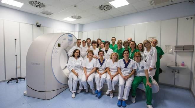 tac ospedale di Cantù con tutto il personale