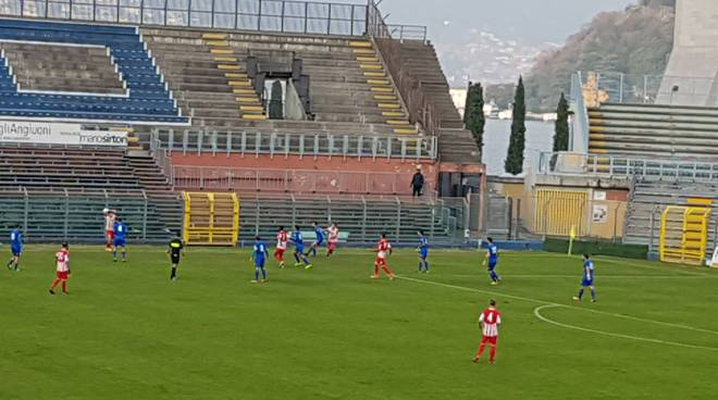 Como supera il Caravaggio al Sinigaglia 1-0 azioni e esultanza giocatori stadio