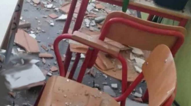 crollo scuola albate