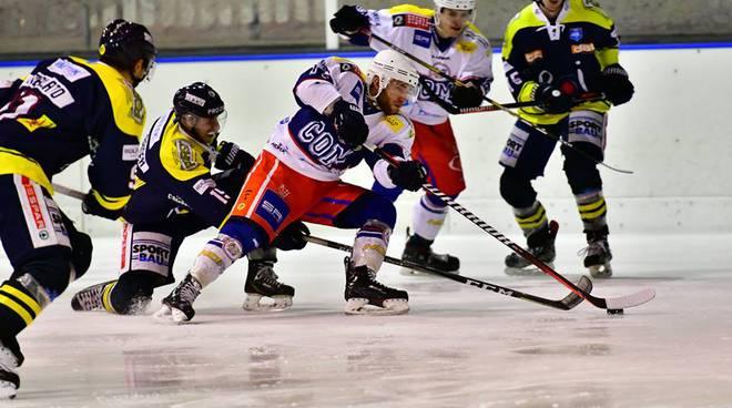 Hockey como vince contro campioni dell'Eppan a casate