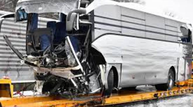 incidente in autostrada svizzera muore donna di mozzate