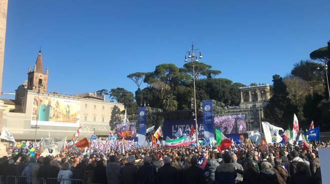 manifestazione a roma lega con ministro salvini parlamantari comaschi lega