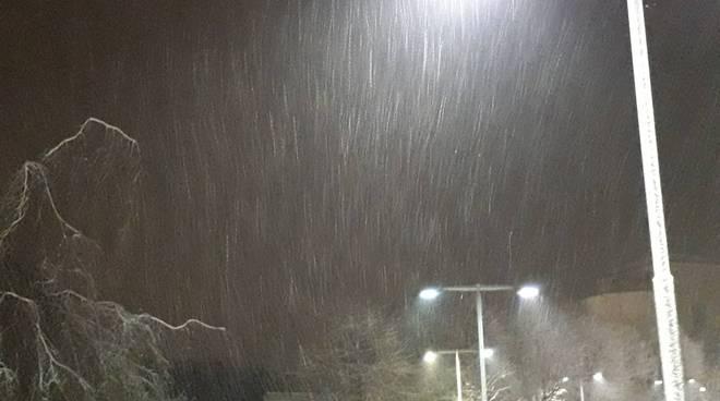 neve su strade del comasco questa sera