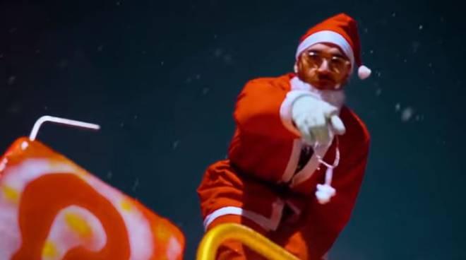 Auguri Di Buon Natale Al Vescovo.Ci Pensa Zighi Auguri Bro Buon Natale Trap Ciao Como