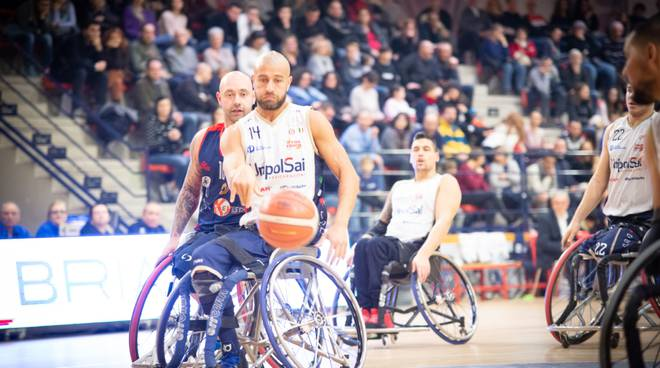 basket carrozzina unipolsai contro porto torres