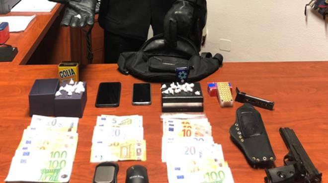 carabinieri cermenate dosi di cocaina e pistola rubata a casa cermanate