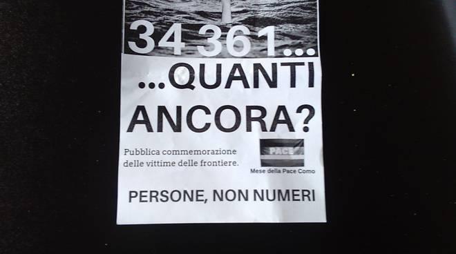 como accoglie e como senza frontiere leggono nomi vittime nel mare in piazza