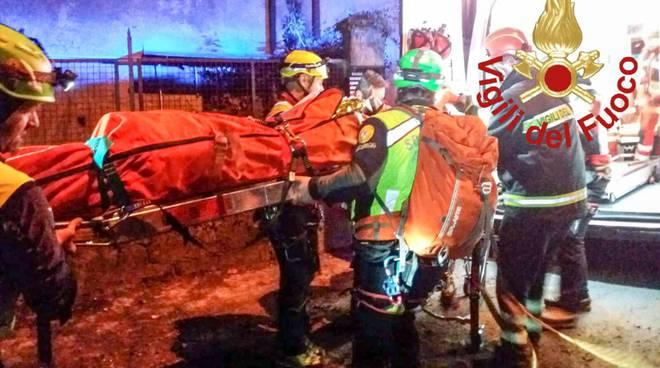 escursionisti feriti recuperati dai pompieri in serata monte croce