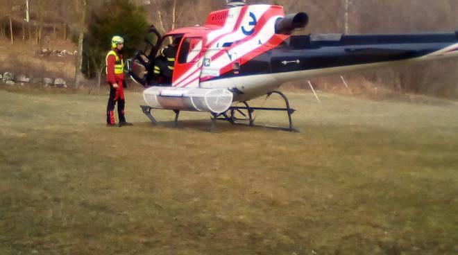 incendio a sorico intervento volontari antincendio elicotteri spegnimento