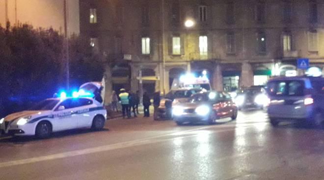 incidente stasera piazza san ricco como investito in bicicletta da auto