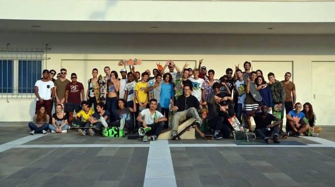 Massi zeus e mattia chindamo in studio per avere skatepark a como