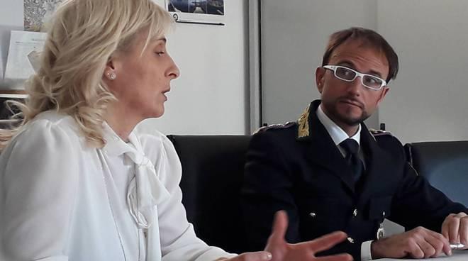 presentazione nuove assunzioni polizia locale como domandante ghezzo e assessore