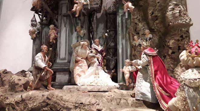 tremezzo villa mainona presepi e diorami in mostra con organizzatori
