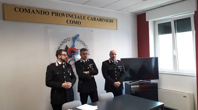 carabinieri como e cantù fermo ragazzi minori e masggiorenni violenza di gruppo su ragazzina