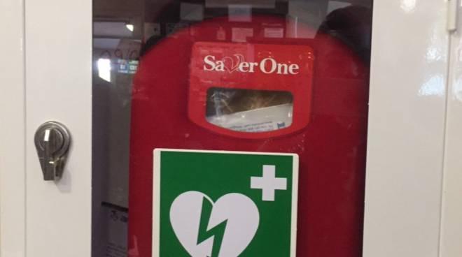 defibrillatore donato a bar bivio di cantù per festa patronale