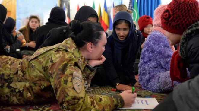 francesca polli caporal maggiore di albese in missione in afghanistan screening pediatrico