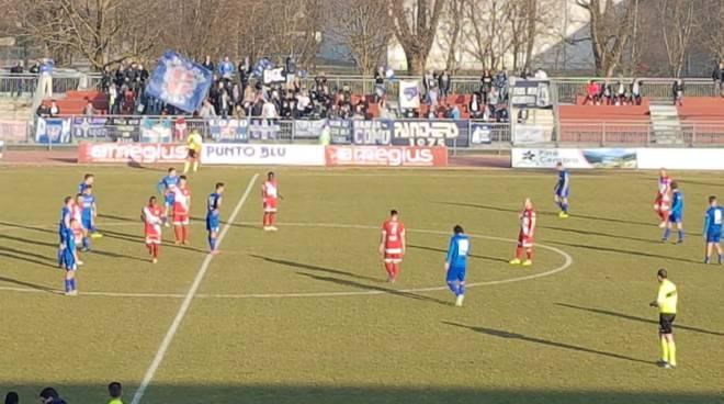 il como vince a Legnago immagini partita tifosi e squadra in campo
