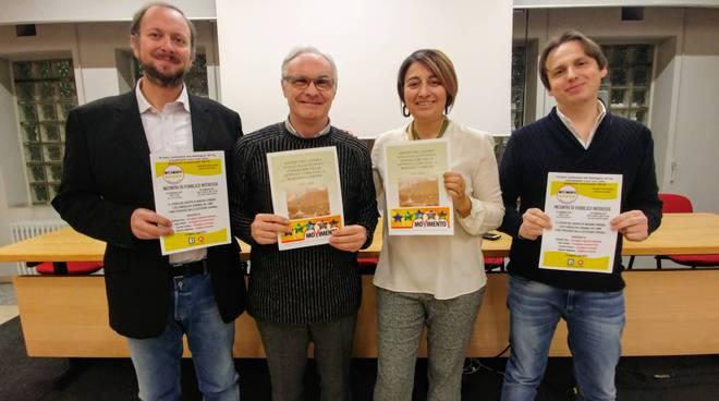 incontro pubblico 5 stelle a mariano comense con cittadini centro civico