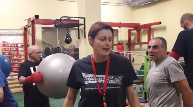 Paola e Tiberio prendono a pugni il morbo del Parkinson a Pontelambro