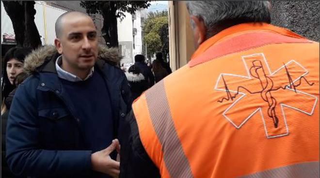 blitz ciaocomo valduce per finti volontari che raccolgono offerte per ambulanza italia soccorso