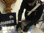 carabinieri campione d'italia recuperano droga e mnateriale per confezionamento