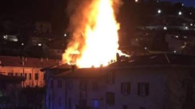 incendio appartamento di cernobbio questa sera fia,mme viste nella notte