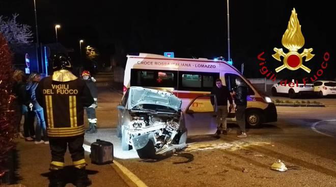 incidente di lomazzo scontro tra auto pompieri soccorsi