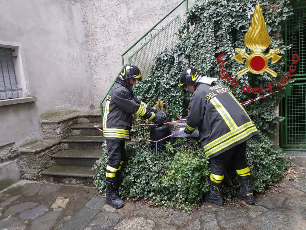 plesio pompieri dongo incendio stufa a gas in abitazione