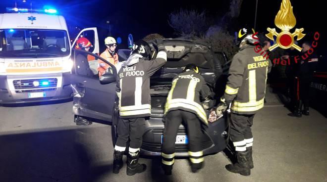 pompieri di como incidente orsenigo via dottorini donna incastratra