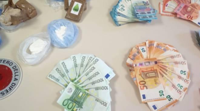 spaccio droga bivacco castelnuovo bosco carabinieri