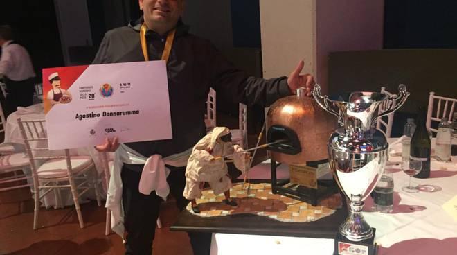 agostino donnarumma al campionato del mondo di parma della pizza napoletana