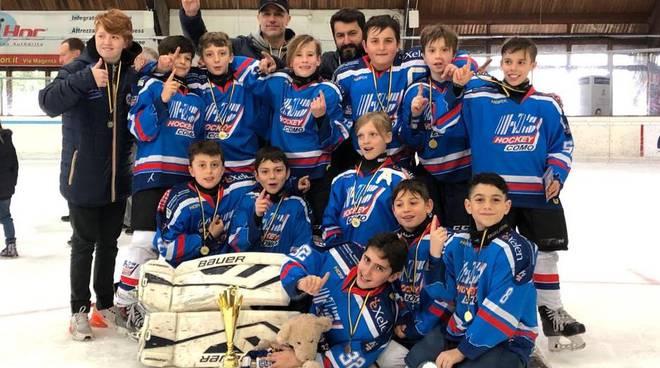 hockey como under 11 vince torneo di varese squadra e coach