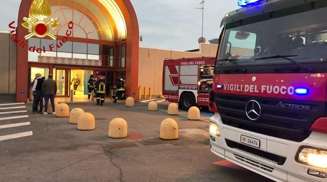 Incendio al negozio di calzolaio del gigante vertemate con minoprio