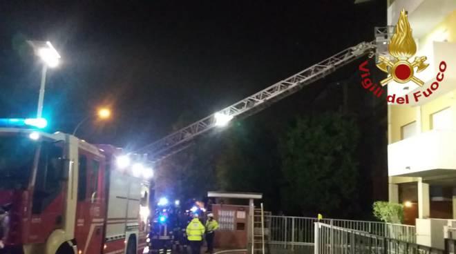 incendio appartamento di via prealpi ad arosio pompieri soccorsi