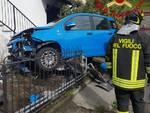 incidente gravedona auto finisce contro contatore del gas e vicino alla casa